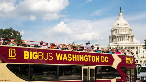 Tour bus outside the Capitol Building in Washington DC