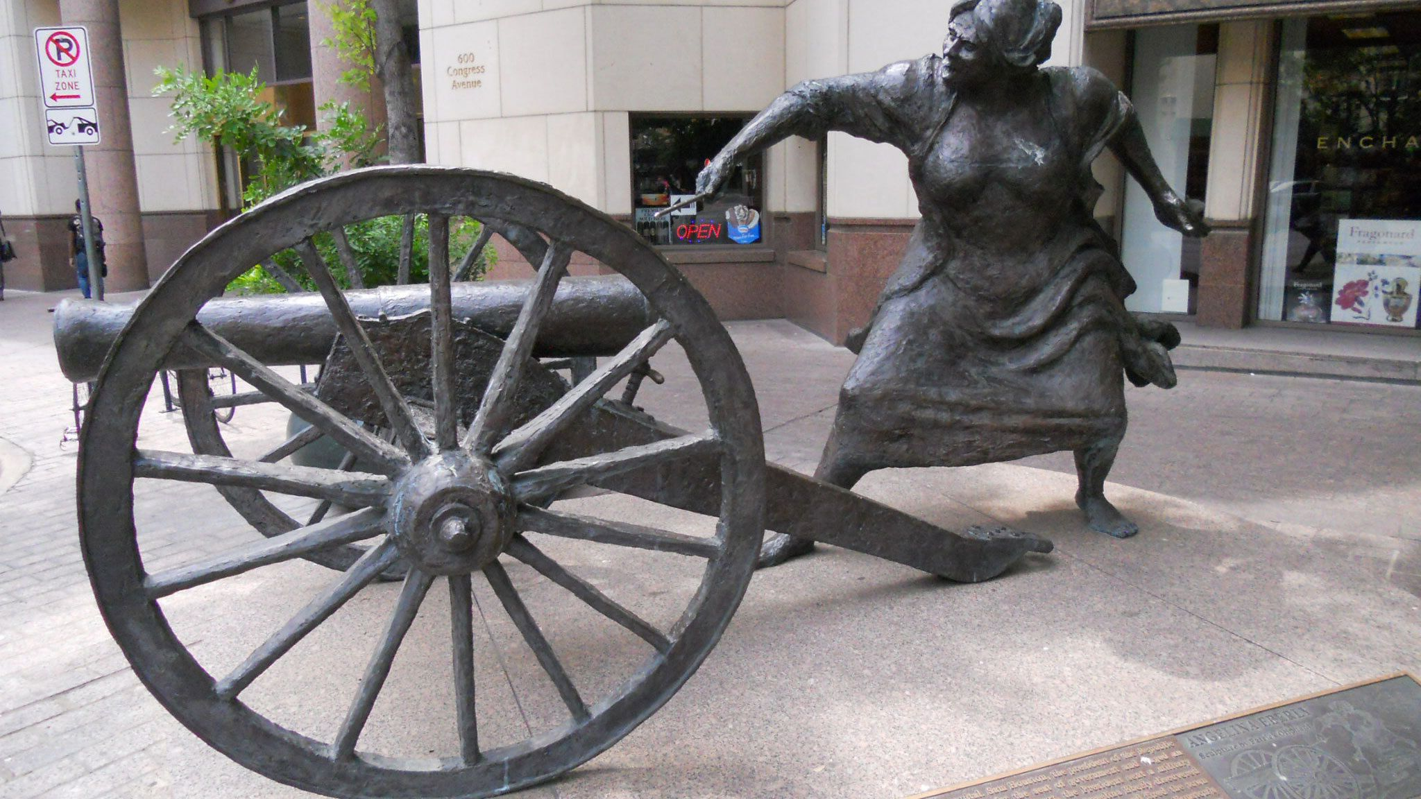 Statue of Angelina Eberly, credited for saving Austin, Texas in 1842