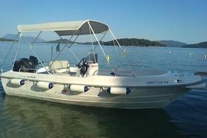 Motorboat rental to Skorpios and Meganisi islands -no licence!