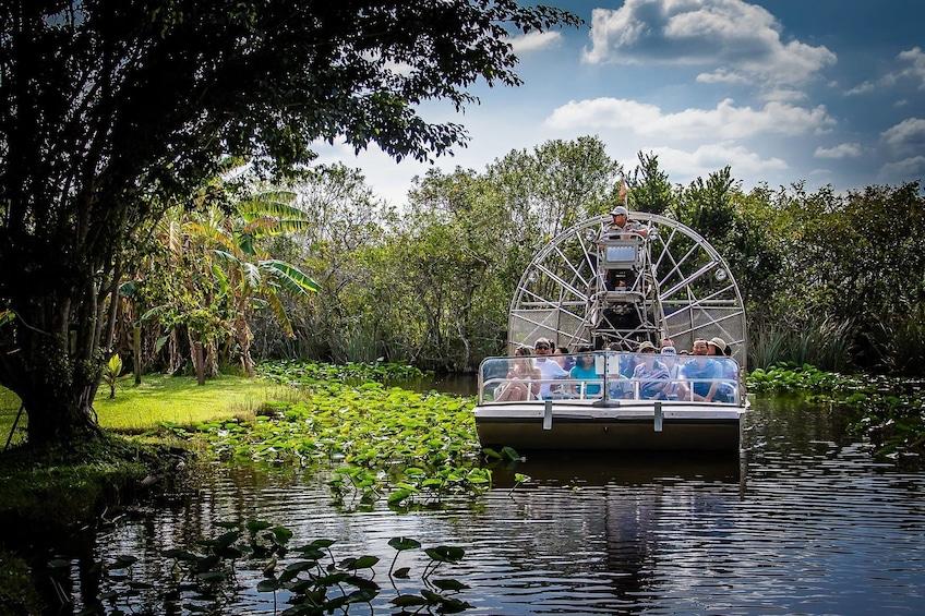 Foto 1 van 9. Everglades Airboat Adventure & Biscayne Bay Cruise