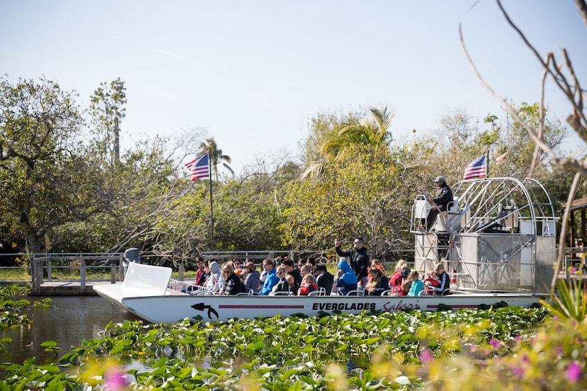 Foto 4 van 9. Everglades Airboat Adventure & Biscayne Bay Cruise