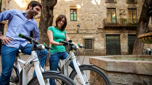 Couple on bicycles in Barcelona