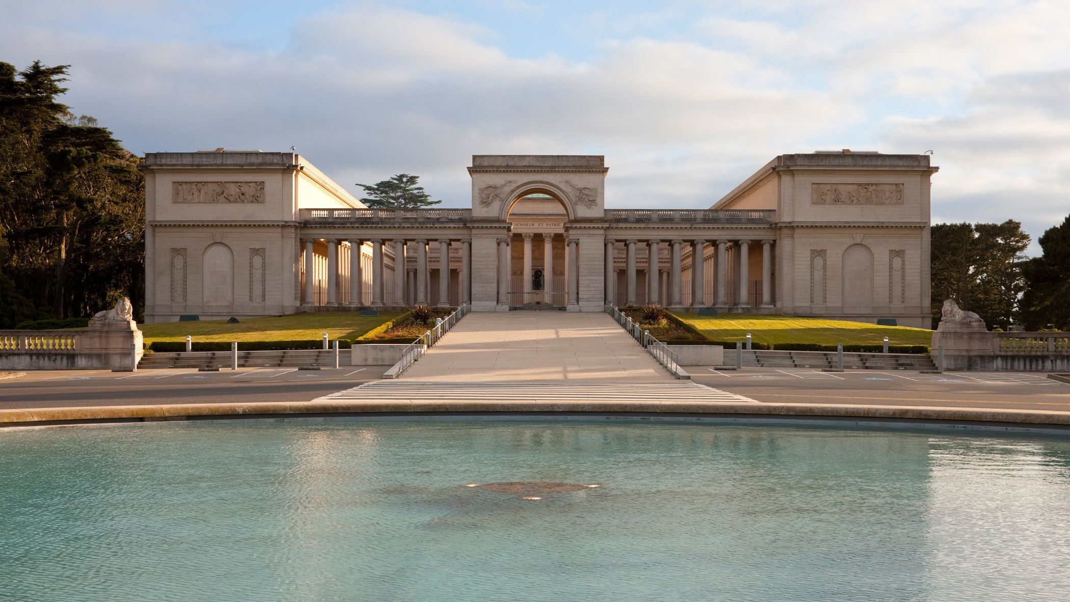 Landscape view of Legion of Honor in San Francisco