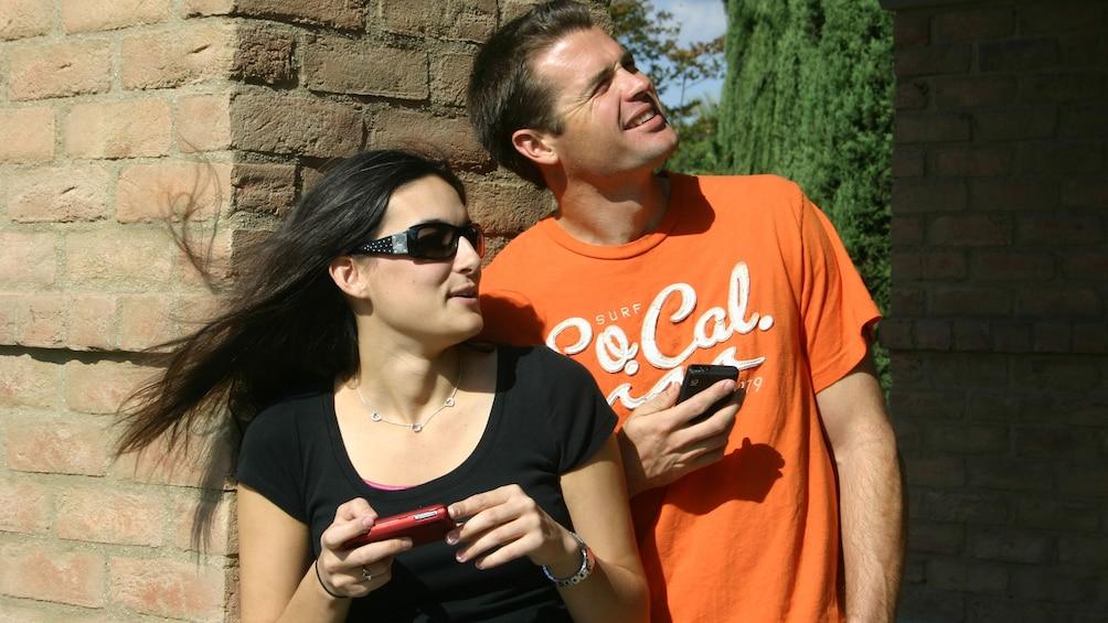 Charger l'élément 1 sur 5. Scavenger hunting couple in Phoenix
