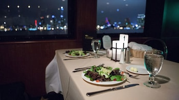 Dinner & Dancing Harbour Cruise in San Diego