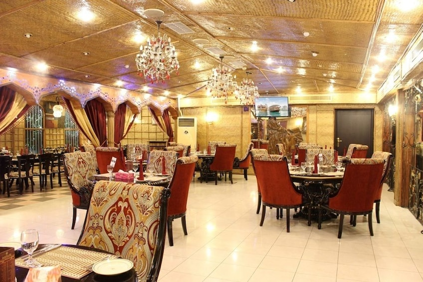 Dining at Al Areesh restaurant with Abu Dhabi city tour