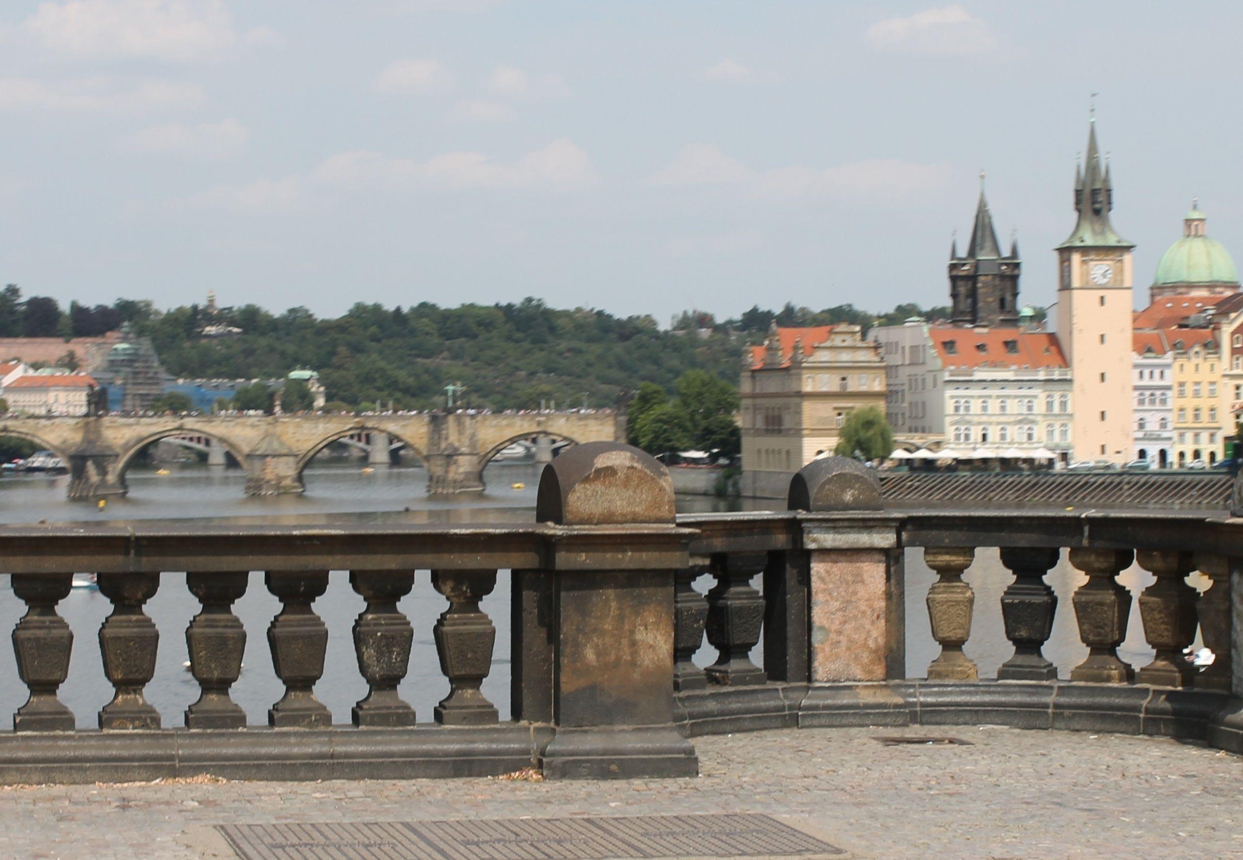 Rundvisning til fods i Prag i en lille gruppe med cafébesøg