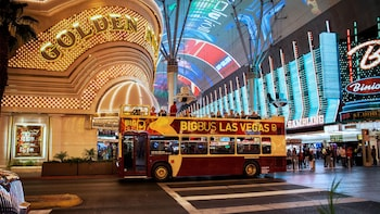 Las Vegas Panoramic Bus Night Tour plus Fremont Street Tour