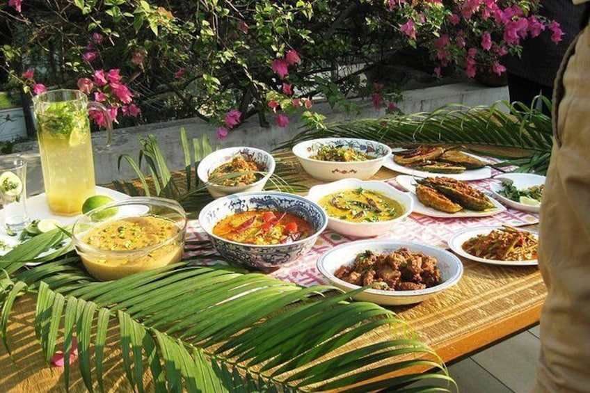 Private Authentic Bengali Cooking Class in Dhaka with a Celebrity Chef