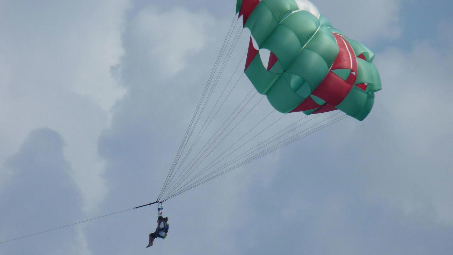 couple parasailing in Key West