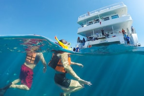 Caborey Snorkeling Tour with Lunch & Open Bar