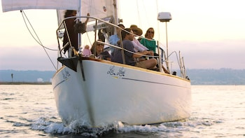 2-Hour Signature Sunset Sailing Tour