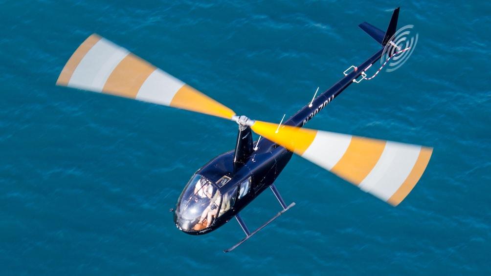 Charger l'élément 3 sur 5. Helicopter in Los Angeles