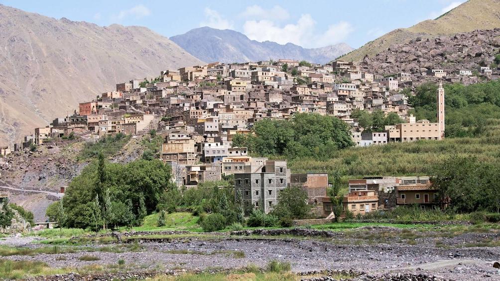 Charger l'élément 1 sur 5. Day view of a village area in Marrakech