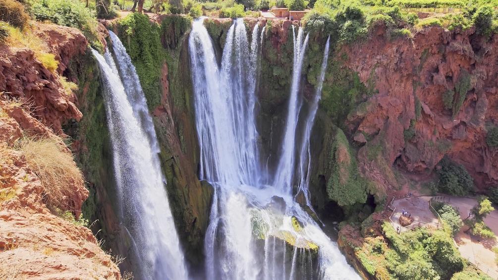 Charger l'élément 5 sur 5. Breathtaking view of the Ouzoud Waterfalls in Marrakech