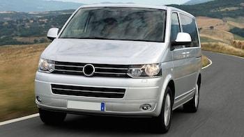 Yksityinen tila-auto: Korfun lentoasema (CFU)