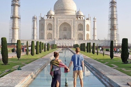 Full Day Agra City Tour included Lunch and Entrance Fees