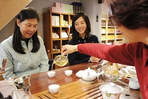 Taste Alishan's top mountain oolong tea / black tea / boutique coffee