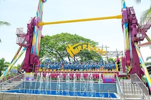 Dream World Rides: Buffet Lunch + Snow City + Adventure 4D + Transfer