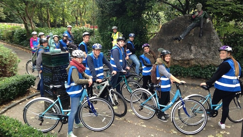 Group on bike tour of Dublin