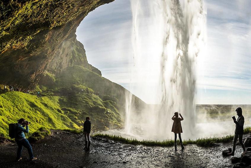 Scenic South Coast & Waterfalls Tour