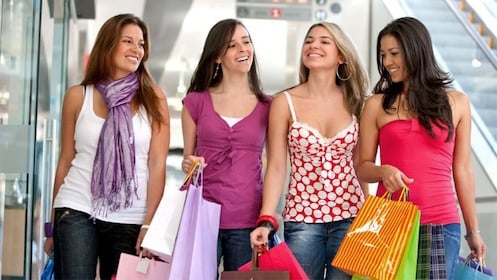 Group of girls shopping in a mall in Orlando
