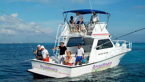 Boat fishing trip in Cancun on a sunny day