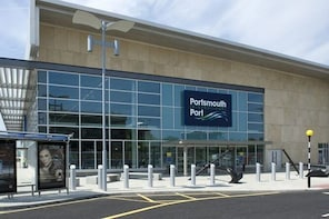 Private Transfer: Portsmouth Cruise Terminal to Heathrow Airport/Hotel