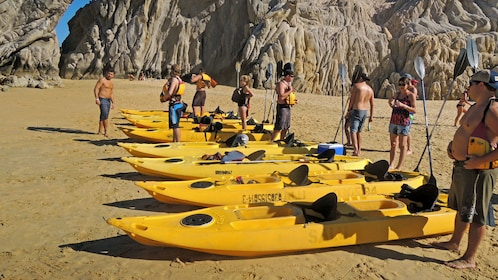 Preparing the glass bottom kayaks in Los Cabos