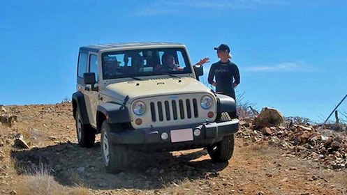 Jeep on a dirt road in Los Cabos