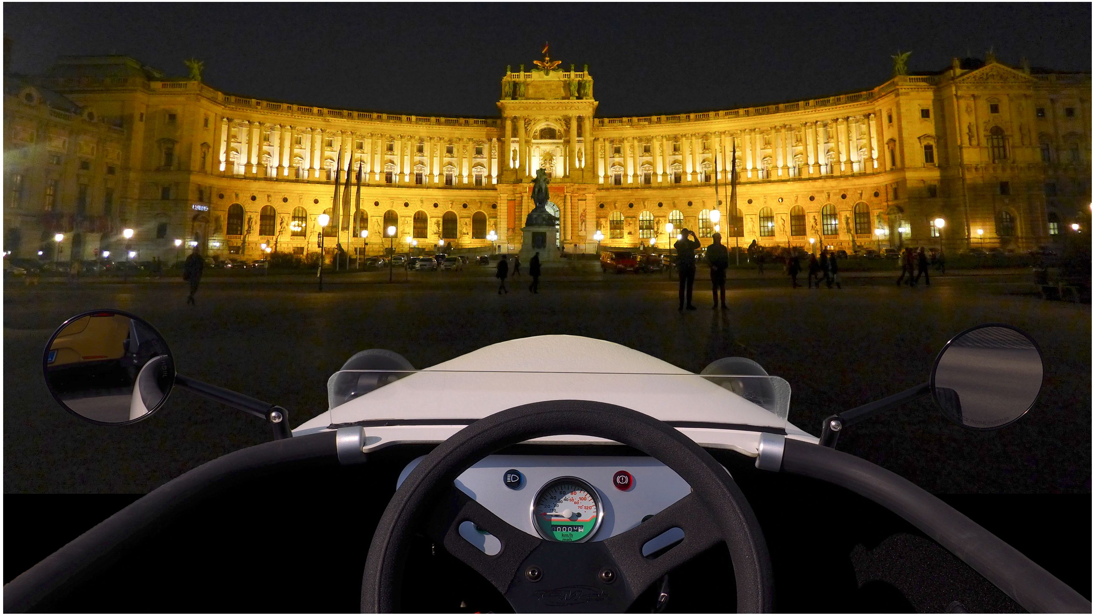 Hot Rod tour in Vienna at night