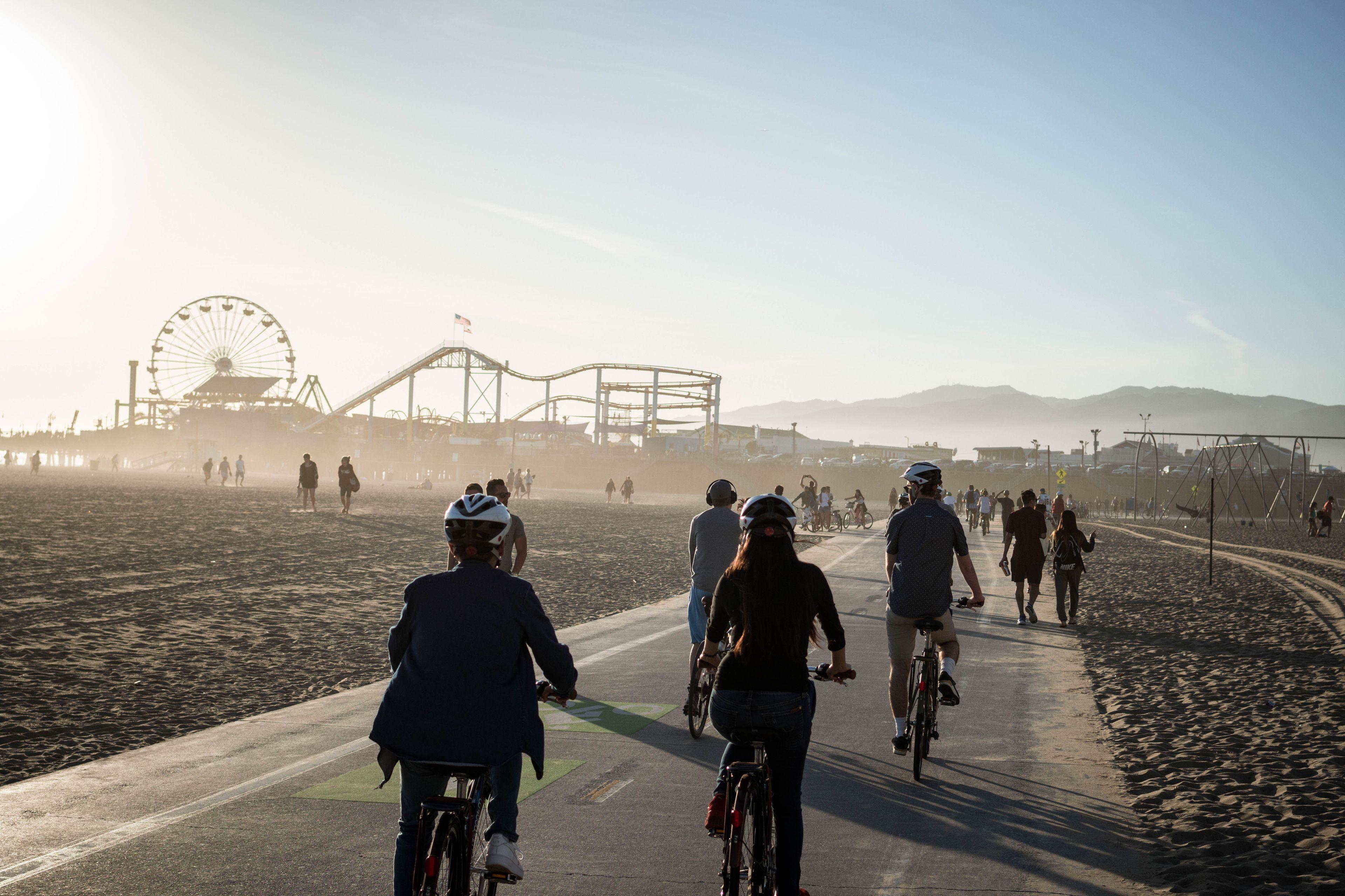 Santa Monica and Venice Beach Bike Adventure