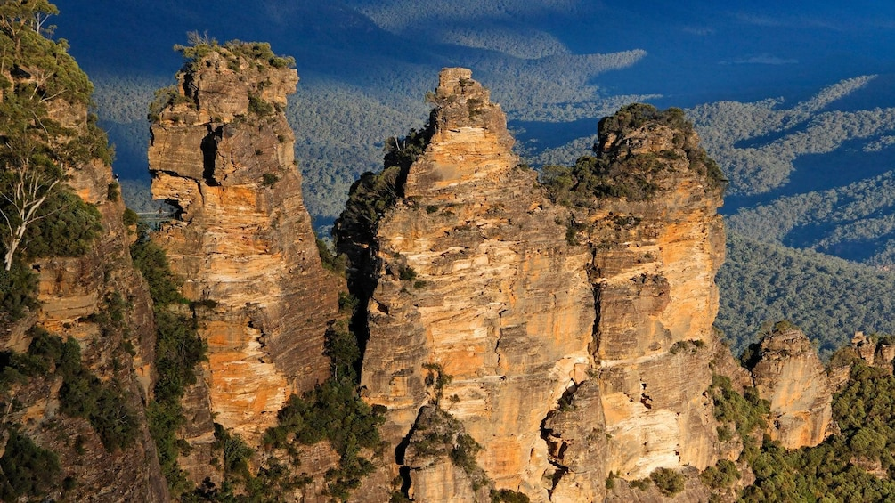 Show item 5 of 10. jagged mountaintops in Australia