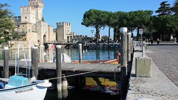 Lake Garda Tour with Boat Trip