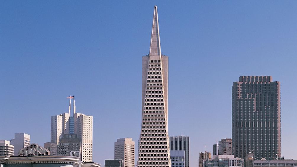 Charger l'élément 3 sur 5. The Transamerica Pyramid in San Francisco