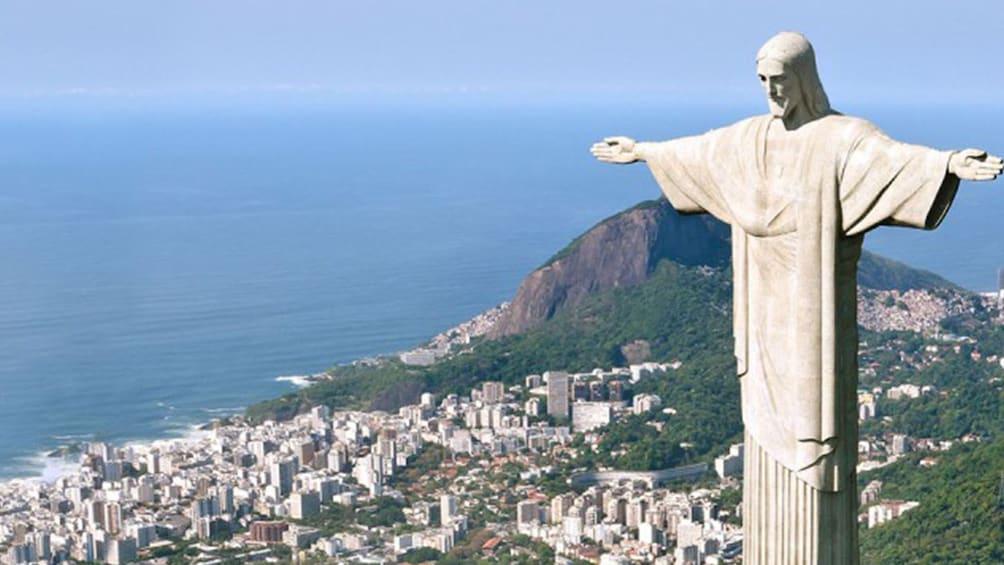 Charger l'élément 3 sur 11.  Christ the Redeemer Statue in Rio de Janeiro