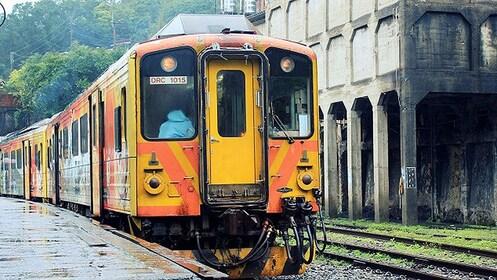 Train in New Taipei City
