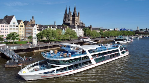 Day view of a boat cruise in Cologne