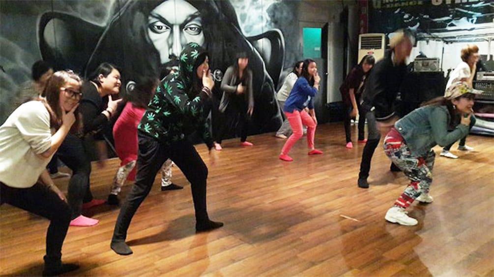 Foto 3 von 5 laden K-Pop Dance Lesson in Seoul