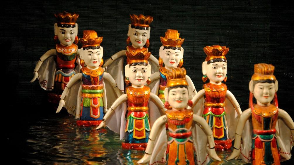 Carregar foto 3 de 9. Painted dolls on display in Hanoi