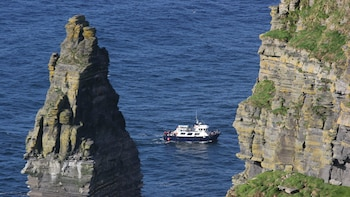 Cliffs of Moher Fully Guided Day Tour from Dublin