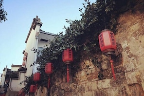 Private 3-day trip to 2 cities with hiking in Wuyuan and Hongcun in Huangsh...