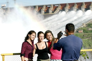Tour panorámico de la represa de Itaipú