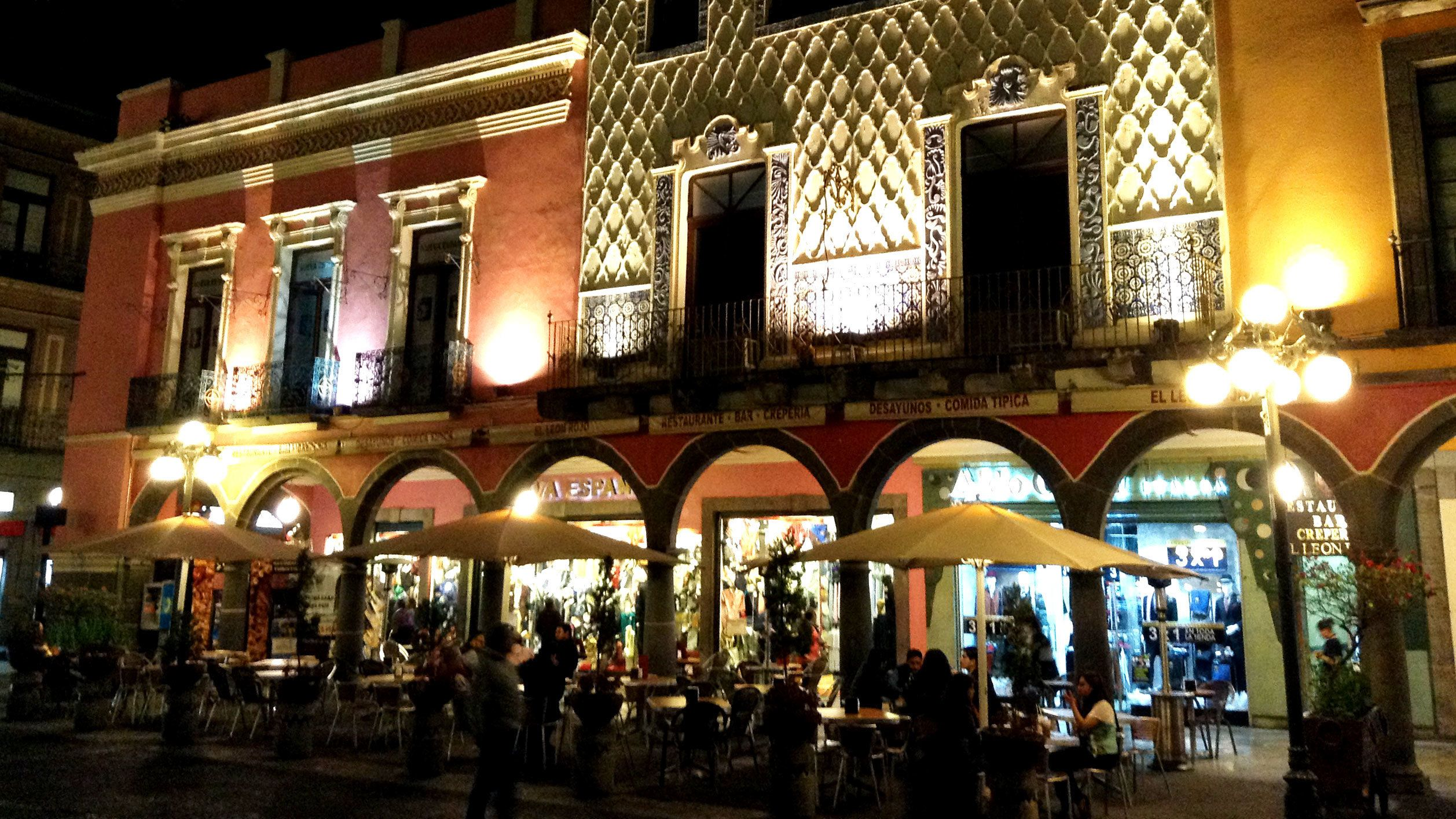 View of restaurant at night in Puebla