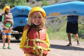 2-Hours Glenwood Springs Short and Mild Family Raft Trip