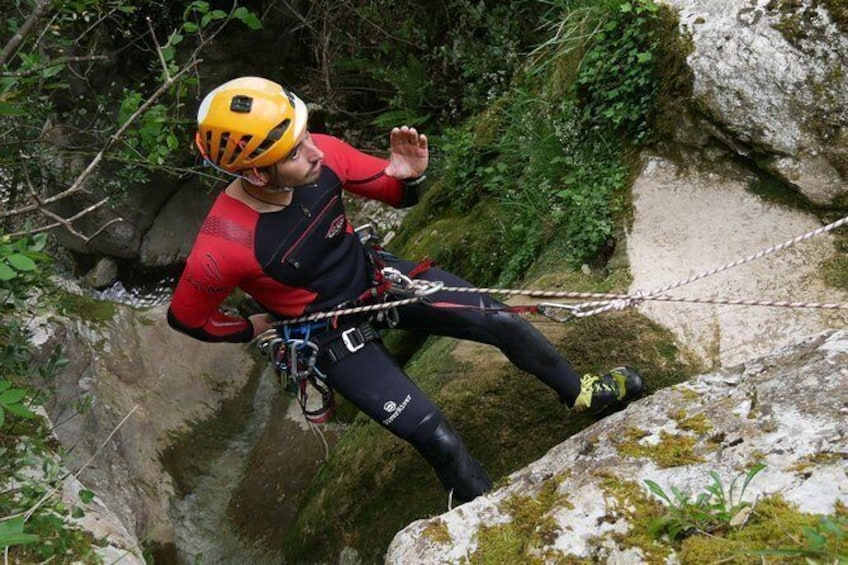 Show item 5 of 6. Canyoning Cabrales
