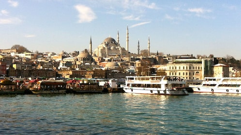 City and harbor of Istanbul