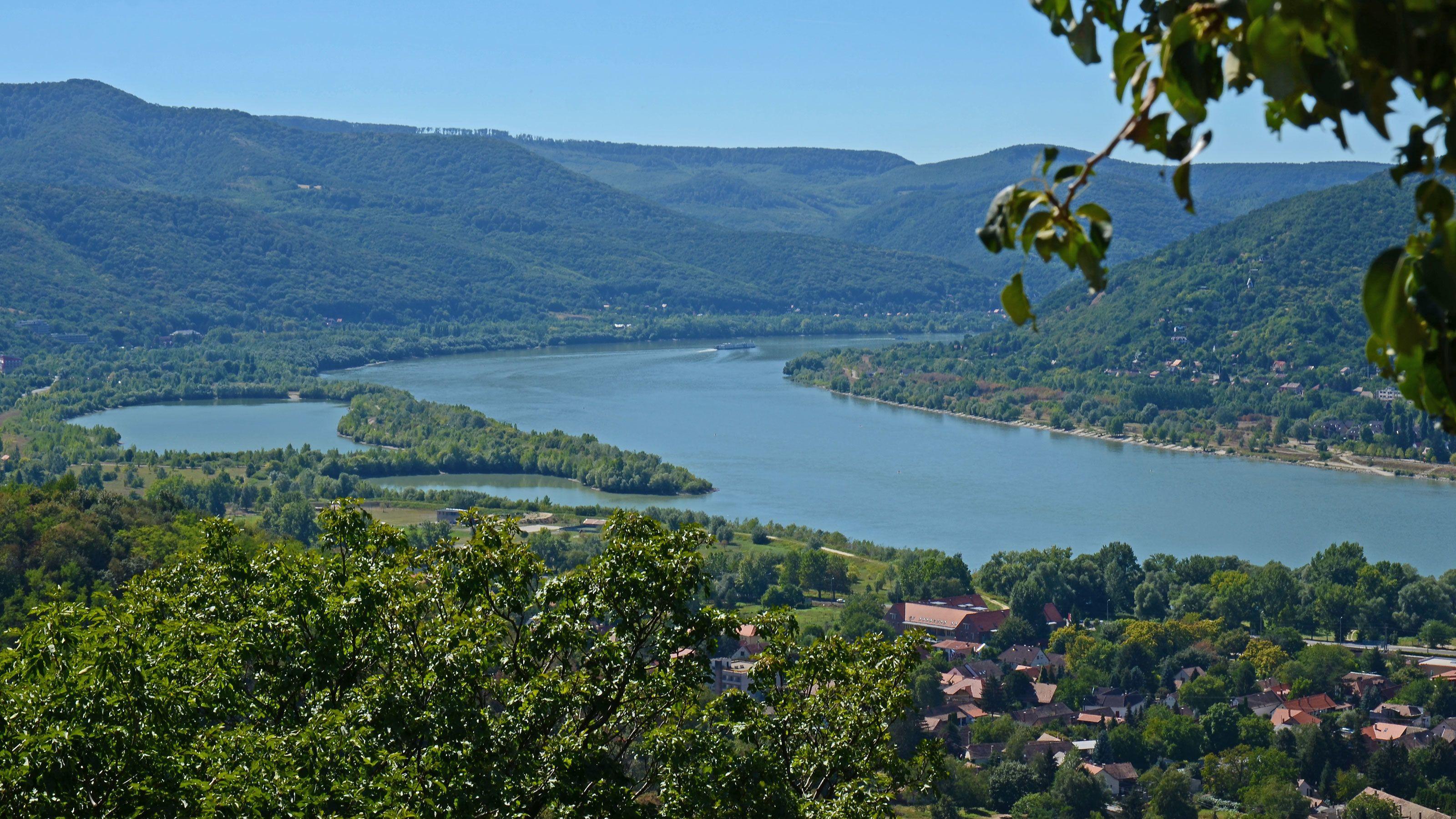 Dagstur på Donau til Esztergom, Visegrád og Szentendre
