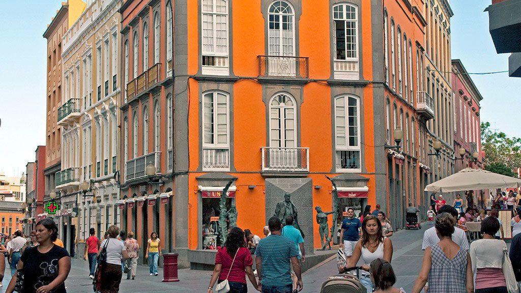 Colorful buildings in Las Palmas de Gran Canaria