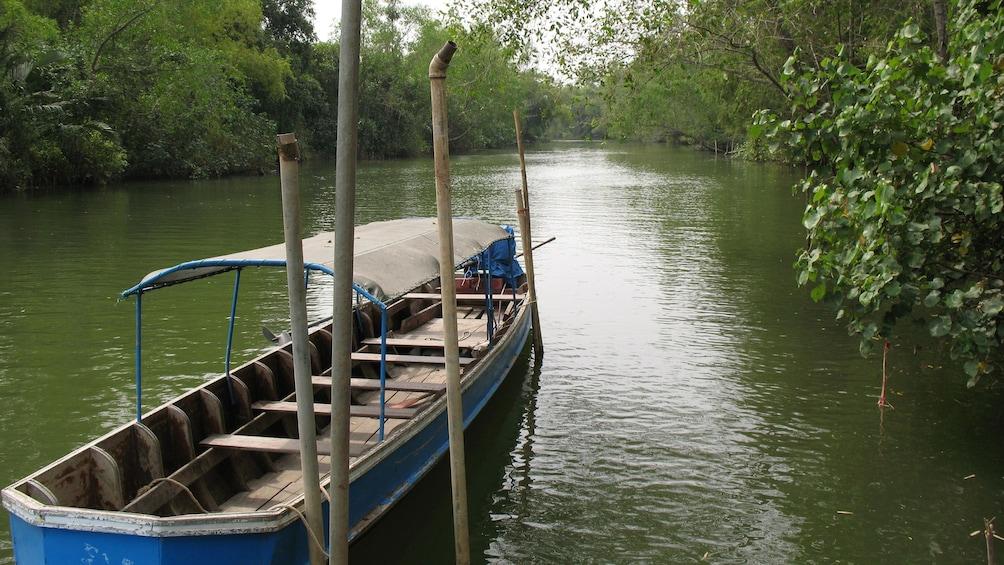 แสดงภาพที่ 3 จาก 4 Boat on the Pranburi River in Thailand